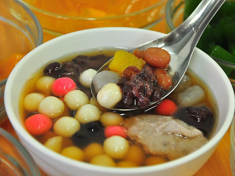 热汤圆的季节 到高雄吉林夜市温暖过冬天
